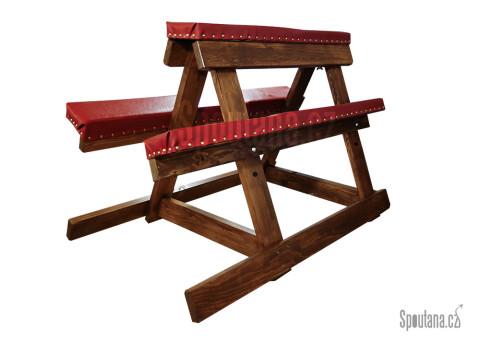 Náš první polstrovaný, dřevěný BDSM nábytek