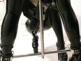 RubberSisters-096